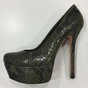 New Arrival✨Alice + Olivia Snakeskin Platform Heel